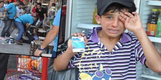 La paliza a un niño sirio que vende pañuelos incendia las redes sociales