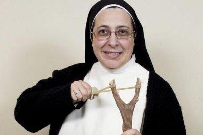 """A la monja Caram se le va el santo al cielo: alaba la """"genialidad"""" de Monedero sobre la salida del euro"""
