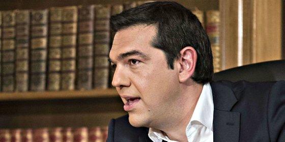 Con esta caradura vende Tsipras a los griegos su bajada de pantalones en Bruselas