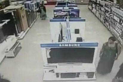 El robo de un televisor 'con faldas y a lo loco' que te dejará alucinado