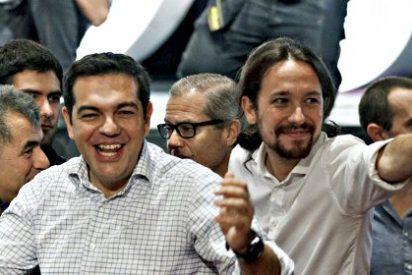 La dimisión de su 'primo' Alexis Tsipras deja a Pablo Iglesias con otro palmo de narices