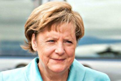 La canciller Merkel, abucheada por una 'manada' de derechistas en un centro de refugiados
