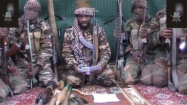 Nigeria: fanáticos islamistas queman vivos a 30 viajeros y conductores que dormían en sus vehículos