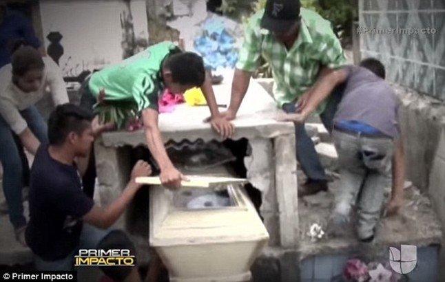 Polémica en Honduras por la muerte de una joven que fue enterrada viva