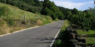 Seis carreteras permanecen cortadas por el incendio en Sierra de Gata
