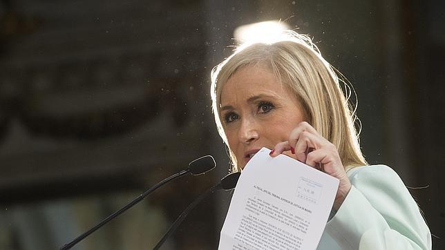 Cristina Cifuentes elimina los sueldos a los cargos políticos de Ifema