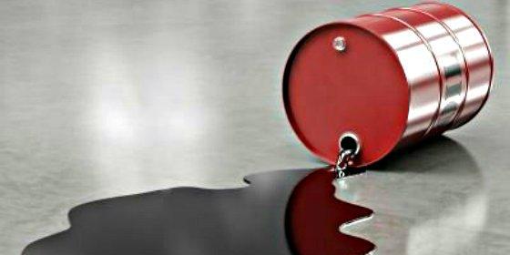 El petróleo se desploma lastrado por la devaluación del yuan chino
