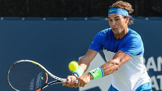 Rafa Nadal se impone a pelotazos a Youzhny y se clasifica para cuartos en Montreal