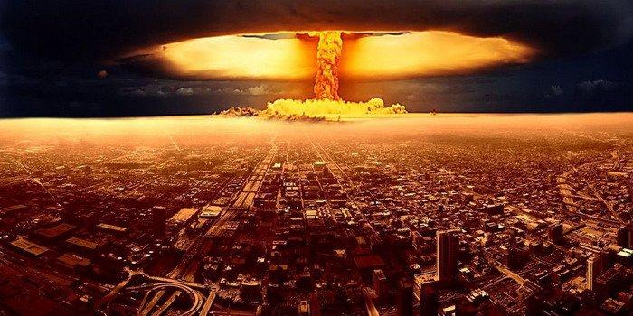 ¿Por qué la fusión de una central nuclear impide la vida y la explosión una bomba atómica no?
