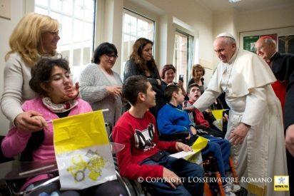 """El Papa anima a los sacerdotes a """"velar por la salud espiritual de los enfermos y moribundos"""""""