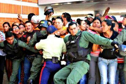 Matan por aplastamiento a una mujer en una cola ante un supermercado de Venezuela