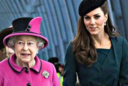 Kate Middleton está a palos con su suegra, la reina de Inglaterra, Isabel II
