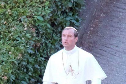 Jude Law interpretará al Papa en una serie de televisión