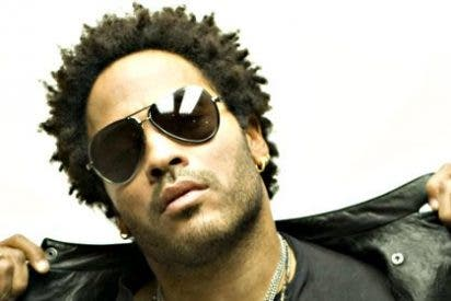 Lenny Kravitz enseña el pene: se le rompe el pantalón en pleno concierto