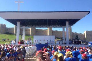 """El Papa anima a los jóvenes españoles a """"crecer y dar testimonio"""""""
