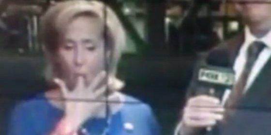 La diputada se come un moco en TV metiéndose el dedo hasta el fondo
