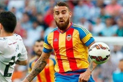 La jugada que pretende el Valencia con Otamendi
