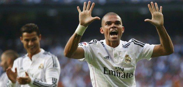 Pepe sufre una lesión muscular en la pierna derecha