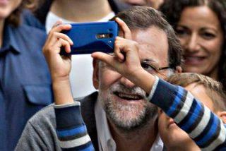 El 'montaje veraniego' del PSOE no hace ni pestañear a un satisfecho Rajoy