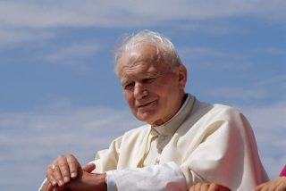 Un obispo emérito australiano acusa a Juan Pablo II de silenciar los abusos sexuales a menores