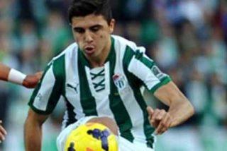 Obliga a su club a incluir una cláusula para poder fichar por el Valencia