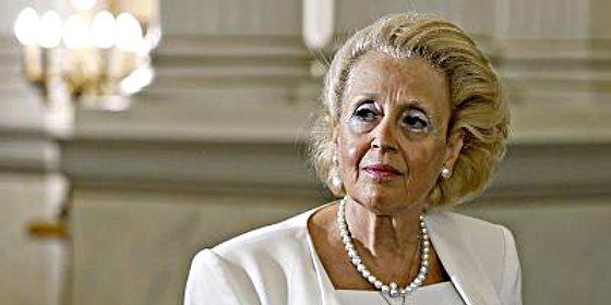 Desde ayer, esta mujer tan elegante manda mucho en Grecia