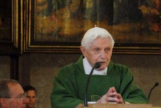 "Ratzinger advierte contra ""la epidemia del corazón"""