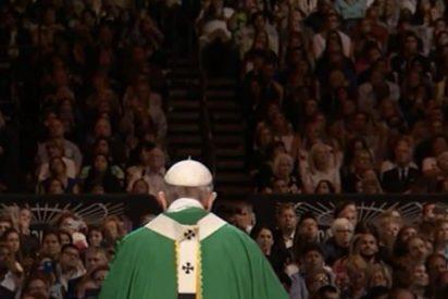 """Francisco denuncia el """"anonimato ensordecedor"""" de miles de descartados en las grandes ciudades"""