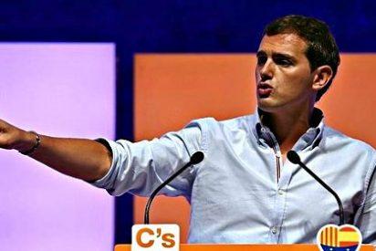 """Albert Rivera: """"Artur Mas está solo en su locura independentista, no tiene apoyos en ningún país europeo"""""""