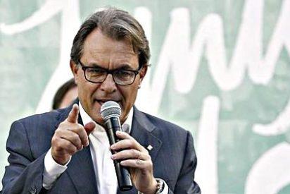 """Ignacio Camacho, a la yugular de Mas: """"Se va a pasar la ley por el forro"""""""