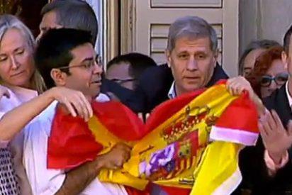 """Fernández Díaz, a PD: """"Si no llegamos a intervenir la foto mañana hubiera sido Colau, Mas y la estelada sobre el escudo del Ayuntamiento"""""""