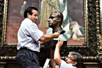 El PSC se abstiene en la retirada de los símbolos monárquicos de las calles de Barcelona