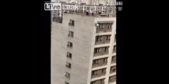 [Vídeo] La mujer que se suicida porque su marido le pone cuernos