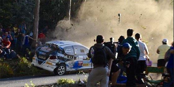 Seis fallecidos al salirse un coche en un rally en A Coruña
