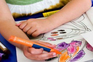 Carrefour y Cruz Roja reparten en Extremadura material escolar para 1.150 menores en situación de vulnerabilidad