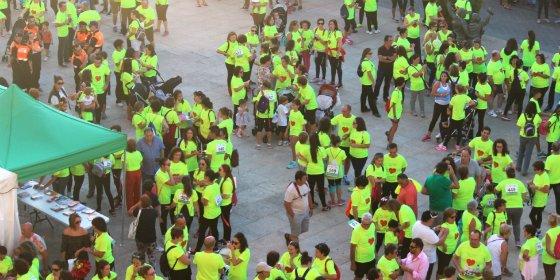 Una marea amarilla inunda de solidaridad las calles de Olivenza (Badajoz)