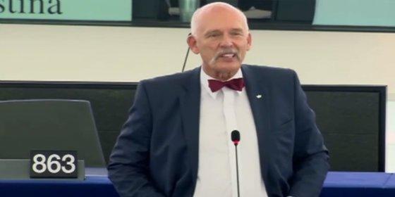 "El eurodiputado polaco con pajarita que califica de ""basura humana"" a los refugiados"