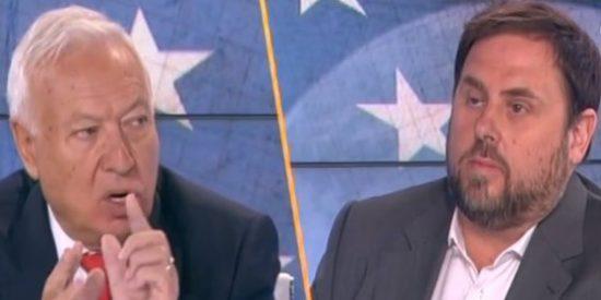 Margallo le tira los tejos a 'la malquerida'... y Junqueras presume mirando a otra parte