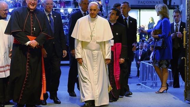 """El Papa muestra su """"cercanía"""" con los musulmanes tras la tragedia de La Meca"""