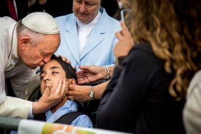 El Papa y el niño con parálisis cerebral