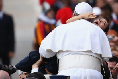 """El Papa pide que los hospitales """"sean lugares para promover la cultura del encuentro y de la paz"""""""