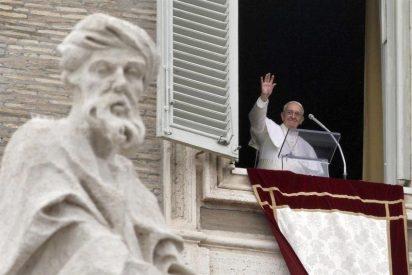 Francisco pide a obispos, parroquias, monasterios y santuarios de Europa que acojan a una familia de refugiados