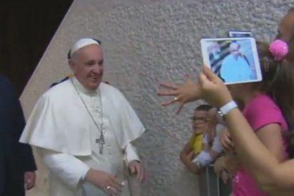 """El Papa a una cooperativa de crédito romana: """"Para mí, no les pido dinero, les pido oraciones"""""""