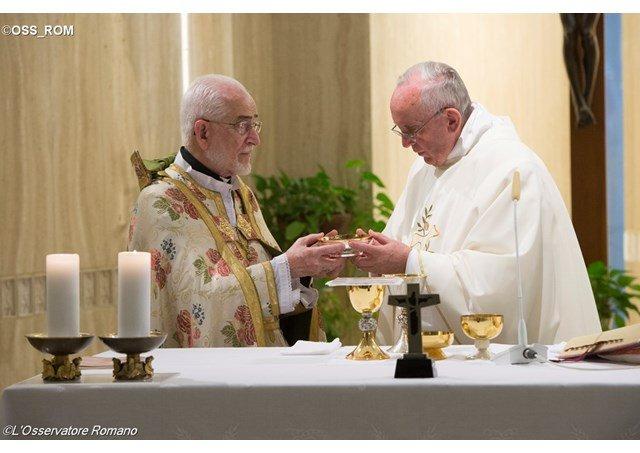 """Papa: """"Cristianos perseguidos hoy, en el silencio de las potencias"""""""