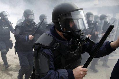Duros enfrentamientos entre la Policía israelí y jóvenes palestinos en la Explanada de las Mezquitas