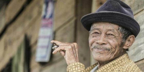 El secreto de los fumadores empedernidos que tienen los pulmones sanos