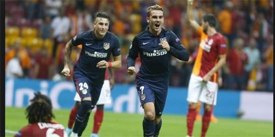 Rotundo triunfo del Atleti en Estambul con doblete de Griezmann (0-2)