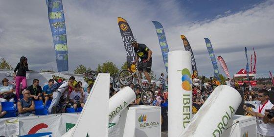 Iberdrola irá en bicicleta a la Cumbre de París para concienciar sobre el cambio climático
