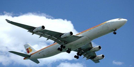 Los precios del transporte aéreo regular aumentan en España un 4,6%