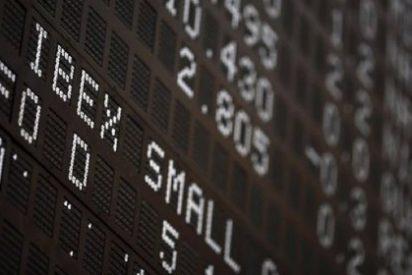 El Ibex 35 cae un 0,8% en la apertura y se aferra a los 10.000 enteros